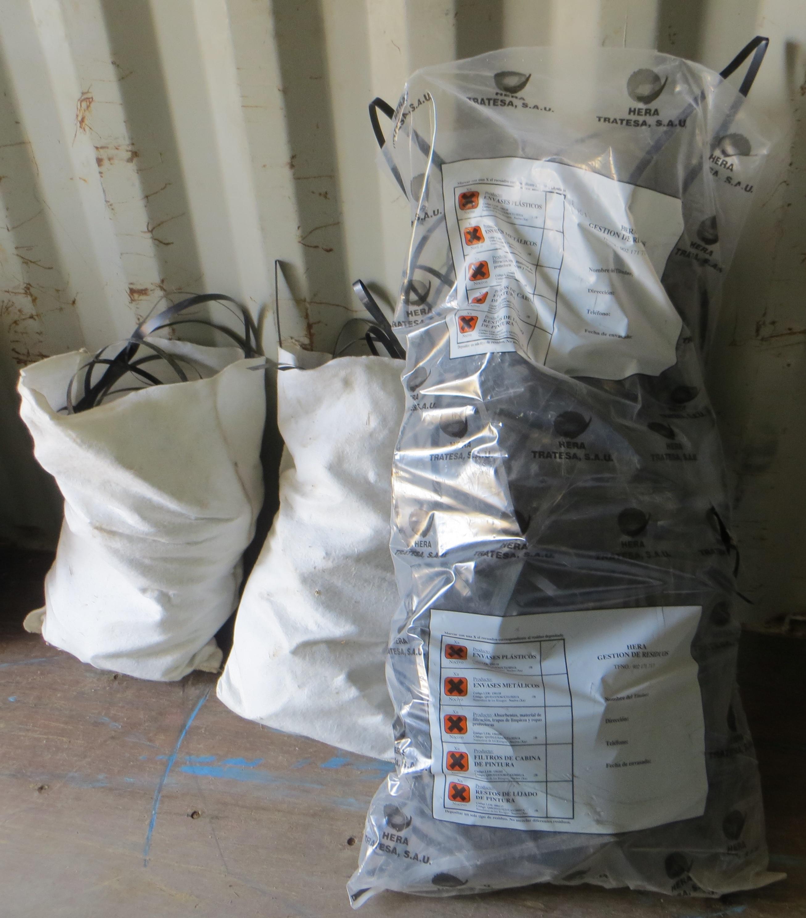 Cables de una empresa de gestión de residuos. PERSEA Soluciones Ambientales S.L. - Realización de trámites y estudios necesarios para la obtención de la autorización